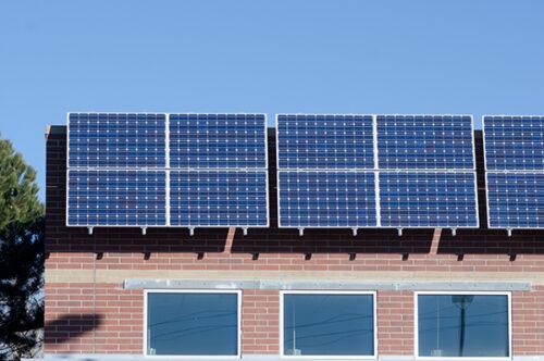 故障!?太陽光発電(パワーコンディショナー)のエラーコードからその原因と対処法を解説